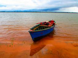 озеро, удочки, лодка