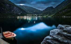 тучи, лодка, озеро, поселок, горы