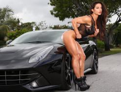чёрный, бодибилдинг, макияж, Celeste Bonin, девушка, модель, брюнетка, красотка, поза, ferrari, взгляд, мышцы, автомобиль