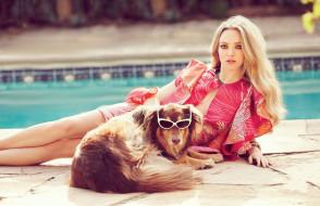 блондинка, бассейн, собака, очки, актриса