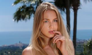 Alecia Fox, красотка, блондинка, модель, девушка, волосы, лицо, макияж, веснушки, портрет, взгляд