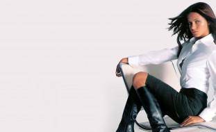 модель, брюнетка, кресло, сапоги, юбка, блузка