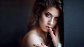 темный фон, взгляд, портрет