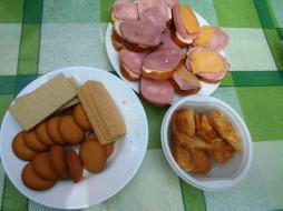 бутерброды, хлеб, колбаса, сыр, еда, вафли, печенье, пирожные