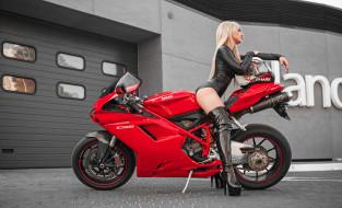 блондинка и ducati 1098, мотоциклы, мото с девушкой, сапоги, на, высоком, каблуке, кожаная, одежда, женщины, с, мотоциклами, латекс, обтягивающая, ducati, 1098, мотоцикл, блондинка, боди, задница, длинные, волосы