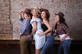 девичник, девушки, подруги, группа, улыбки, шляпы