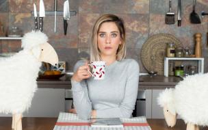 кухня, овцы, чашка, блондинка, актриса, Maria Leon