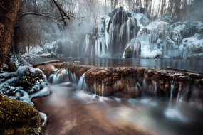 зима, водопад