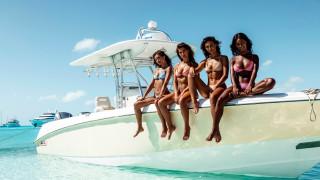 девушки, яхта, купальники