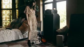 gayle gown, девушки, гитары, кровать, брюнетка, платье, ботинки, витраж, колонки