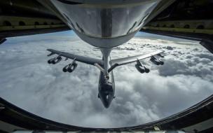 дозаправка в воздухе, бомбардировщик, боинг б-52 стратофортресс
