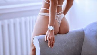 часы, попка, кресло