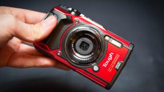 olympus tough tg-5, бренды, olympus, красный, камера, фотоаппарат, рука