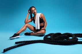 модель, фитнес, спортивная одежда, канаты, синий фон