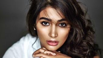 портрет, лицо, макияж, брюнетка, Pooja Hegde, взгляд, модель, девушка