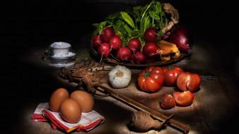 яйца, морковь, редис, помидоры, лук