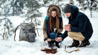 костер, пикник, влюбленные, зима