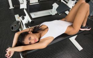 купальник, сексуальная, красотка, брюнетка, модель, девушка, Denisse Gomez, фитнес, тренажёр, спорт, белый