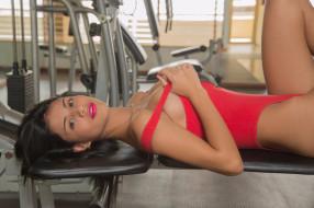 брюнетка, модель, девушка, спорт, красный, сексуальная, красотка, фитнес, Denisse Gomez