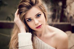 блондинка, свитер, лицо