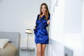 кобальт, синий, халат, стройная, красотка, поза, крашеная, шатенка, модель, девушка, Susza K, Polina Kadynskaya