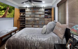 картина, кровать, подушки