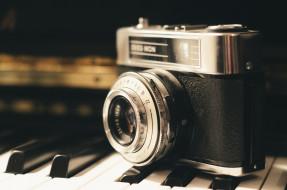 бренды, бренды фотоаппаратов , разное, пианино, клавиши, фотоаппарат, камера