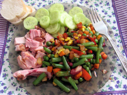 овощи, мясо, хлеб