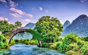 река, горы, мост