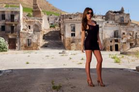 поза, очки, флирт, платье, чёрный, сексуальная, стройная, красотка, брюнетка, модель, девушка, Kirstin Dillon