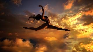 3д графика, люди , people, девушка, закат, прыжок, небо, облака