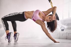 спорт, фитнес, подтянутая, брюнетка, модель, девушка, стройная, поза, мышцы, красотка, тренировка