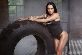 спорт, фитнес, мышцы, поза, тренировка, подтянутая, брюнетка, модель, красотка, девушка, стройная