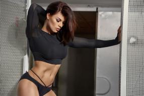 спорт, фитнес, поза, брюнетка, модель, красотка, тренировка, подтянутая, девушка, стройная, мышцы