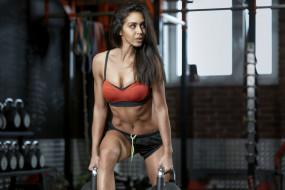 спорт, фитнес, поза, брюнетка, модель, девушка, красотка, тренировка, подтянутая, стройная, мышцы