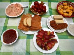 еда, хлеб,  выпечка, печенье, вафли, слус, яблоки, салаты, помидоры, томаты, бананы