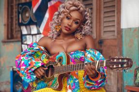 певица, блондинка, девушка, Nailah Blackman, парик, модель, игра, инструмент, струны, чернокожая, гитара, темнокожая, фото, фотография, актриса