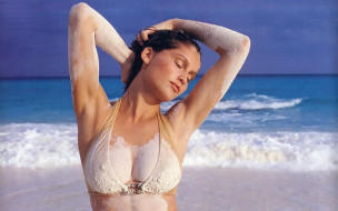 брюнетка, грязь, купальник, модель, море, пляж