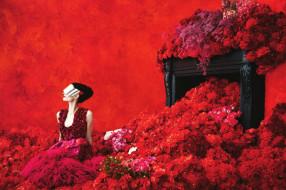 платье, цветы, маска, брюнетка