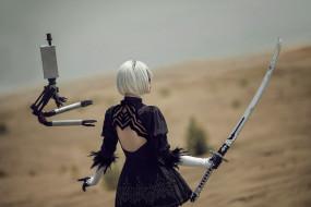 андроид, робот, 2В, пустыня, меч, девушка