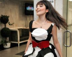Сати Казанова, певица, платье, шатенка