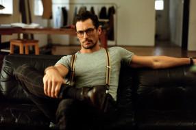 мужчины, david gandy, очки, подтяжки, поза
