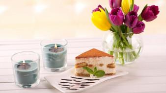 пирожное, тюльпаны, свечи