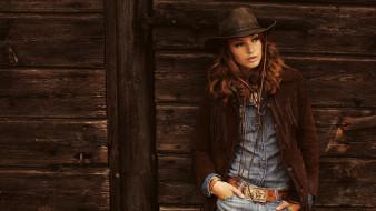 девушки, - рыжеволосые и разноцветные, девушка, модель, рыжеволосая, вестерн, ковбой, шляпа, стетсон, кожа, взгляд, макияж, флирт, mona, johannesson