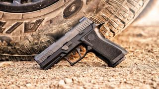 обои для рабочего стола 1920x1080 оружие, пистолеты, sig, sauer, p320