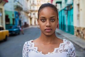девушка, модель, Куба, лицо, молодая, глаза, взгляд, причёска, макияж, портрет, улица