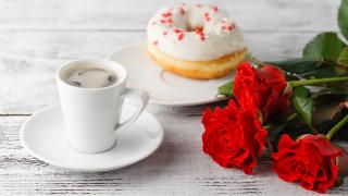 еда, кофе,  кофейные зёрна, розы, пончик