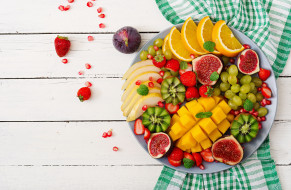еда, фрукты,  ягоды, инжир, клубника, киви