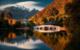города, - буддийские и другие храмы, горы, озеро, храм