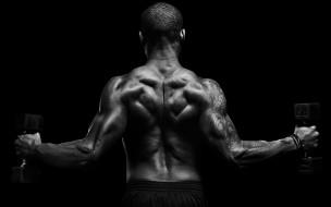 мужчина, гантели, спина, татуировка